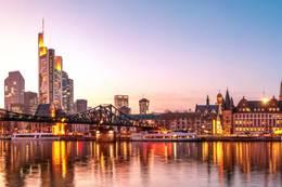 4 Tage nach Frankfurt im 3*S Comfort Hotel Frankfurt Airport West 001