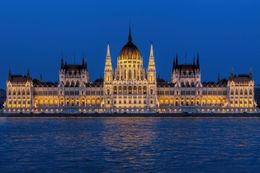 Experience 3 days for two at the Atlas City Hotel Budapest - the city on the Danube