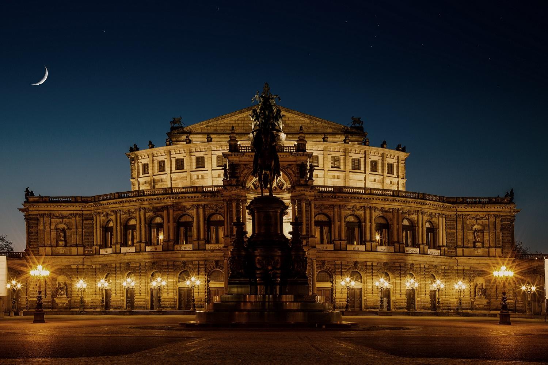 Familienurlaub zu viert im 4* Wyndham Garden Dresden erleben & genießen Familienpaket 2+2